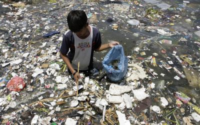 Who are the real plastic polluters? Asia Vs the West. (and what you can do about it?)